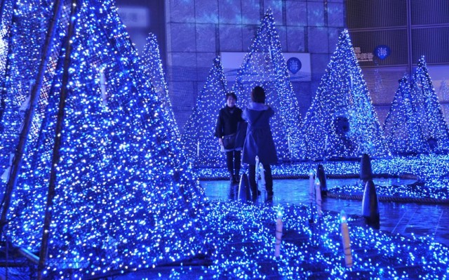 LED Christmas lights in Tokyo's Shiodome